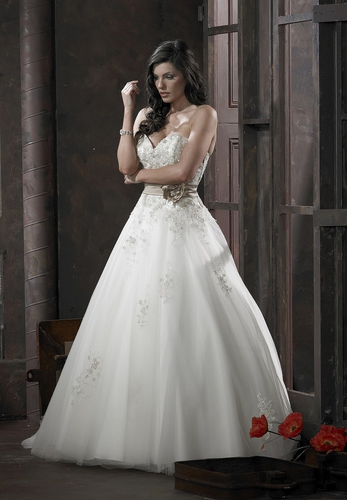 Margaret Lee 91577 – Ivory/Champ/Capp 16 (UK 14) - Dressy ...